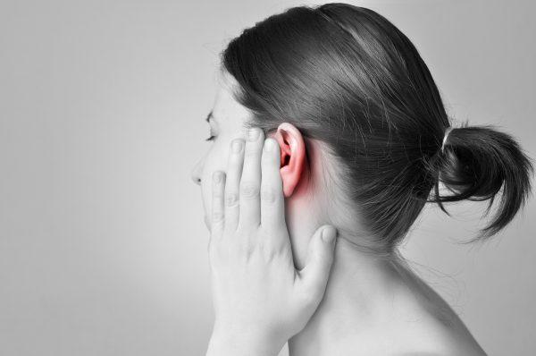 妊娠中の耳つまり原因は耳管開放症です