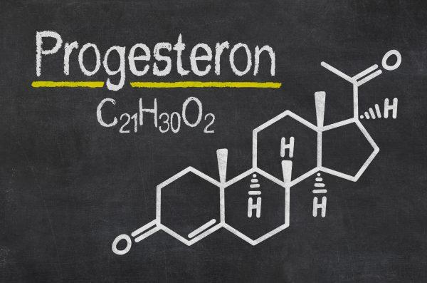 生理前のむくみの原因はプロゲステロンです